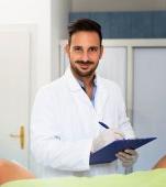 10 întrebări pe care ne este rușine să le adresăm medicului ginecolog. Cu răspunsuri de la acesta.
