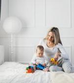 Te îngrijorează felul în care crește copilul? Află care este ritmul de dezvoltare al unui bebeluș sănătos
