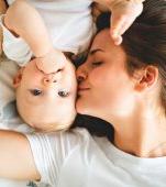 Fotografia care a uimit Internetul: primul RMN al unei mame care își sărută copilul
