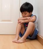 Pusul la colț al copilului, singura pedeapsă acceptată în parentingul modern