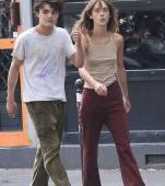 Cum arată fiul lui Johnny Depp la 18 ani. Fotografie rară cu Jack, la plimbare cu iubita lui