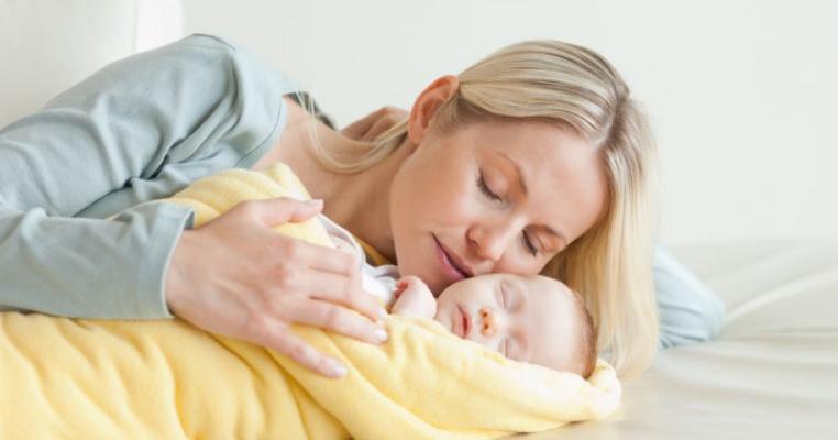 Ce trebuie să faceți dacă părul cade după naștere: 7 motive, 5 reguli pentru recuperare