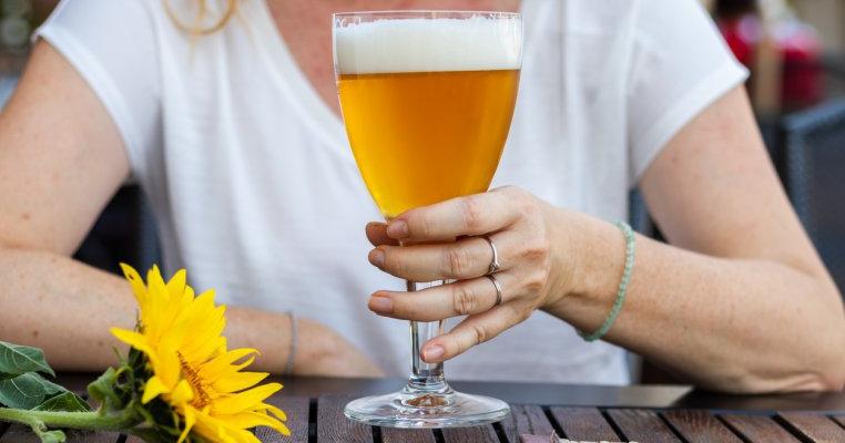 beau bere și pierd în greutate)