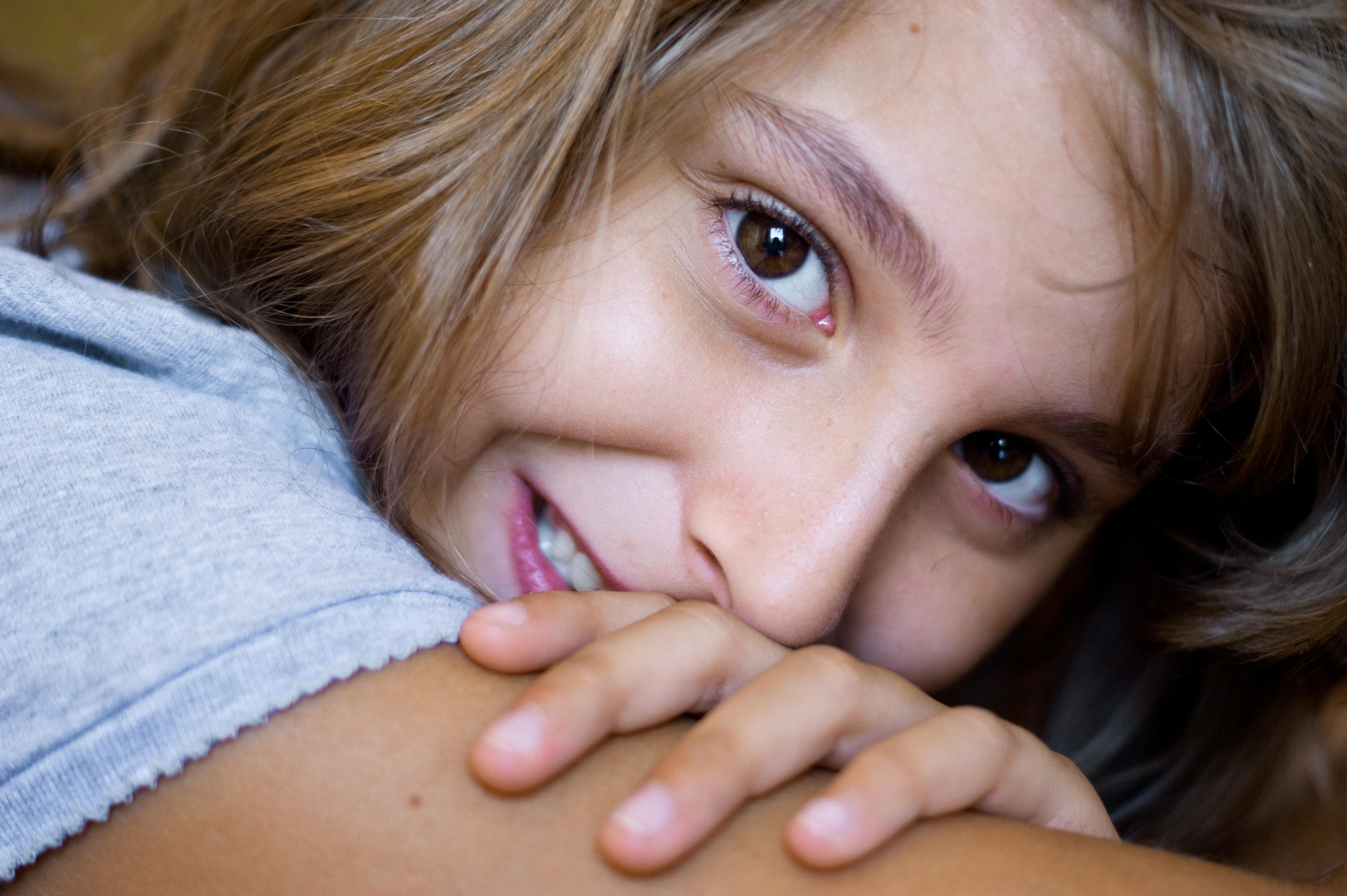 Целка фото рвут, Парень рвет целку молодой девственнице » Порно фото 25 фотография