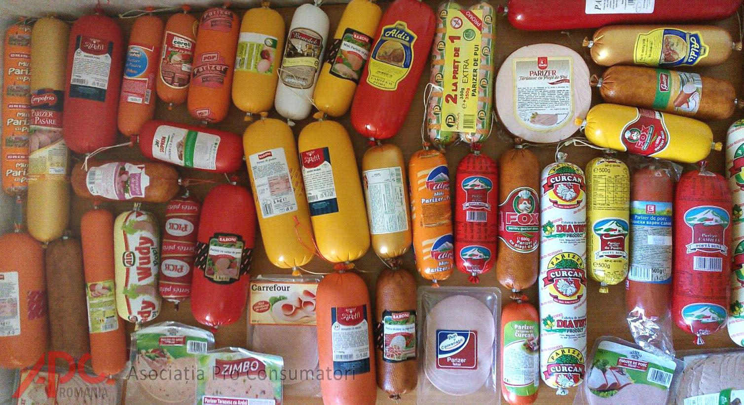 Jumătate din parizerul de pe piață conţine piele de pasăre, emulsie din şorici, zgârciuri, cartilagii şi până la 19 aditivi!