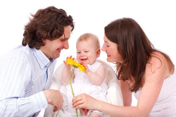 Dezvoltarea bebelusului: cele mai frecvente temeri neintemeiate ale parintilor