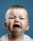 Mi-am lăsat copilul să plângă până s-a liniștit singur și nu am niciun regret