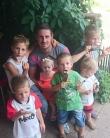 Cum este să crești 6 copii în România?