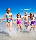 10 idei de jocuri pentru copii pe plaja