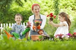 12 Jocuri de gradinarit pentru tine si copilul tau