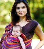 Accesoriile pentru purtat bebelusul, intre moda si utilitate