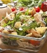 Salata din piept de pui si paste