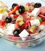 Salata de cascaval si porumb