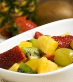 Salata de capsuni si ananas cu frisca