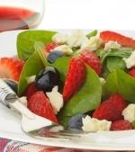 Salata de fructe si branza de vaci