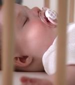 Cele 3 sfaturi pentru a obisnui bebelusul sa doarma singur