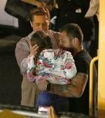 Brad Pitt erou și în viața de zi cu zi: salvează o fetiță înghesuită de mulțimea de fani