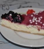 Cheesecake cu glazura din mure