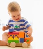 Moș Nicolae: jucării din lemn pentru copiii de toate vârstele