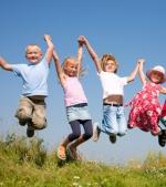 Top 10 cele mai simpatice hăinuțe de primăvară pentru bebeluși și copii