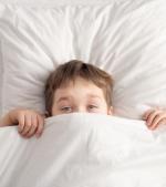 36 de scuze pe care le folosesc copiii ca să nu doarmă
