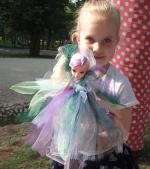 A la Tutu te invită la Festivalul familiei, să creezi rochițe pentru păpuși și să câștigi o rochiță de vis