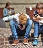A-i da copilului un smartphone este ca și cum i-ai da un gram de cocaină
