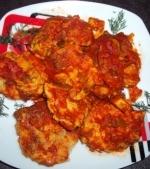 Chiftelute la cuptor cu sos de rosii si legume