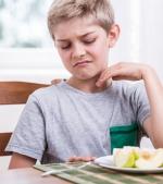 Ce poți face dacă ai un copil care nu mănâncă suficiente fructe și legume
