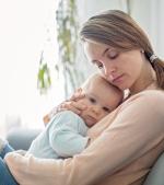 5 semne că bebelușului îi este foame