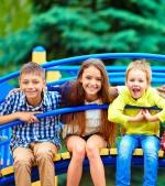 5 schimbări importante care se petrec în organismul copilului când se joacă în aer liber