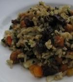 Salata de orez brun, stafide si nuci