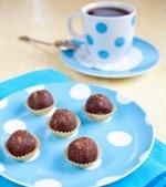 Prajituri de post: Bilute din biscuiti si fulgi de cocos