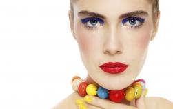 Culorile nepotrivite pentru machiajul ochilor tăi