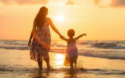 6 greşeli care îl fac pe copil să-şi piardă încrederea în sine