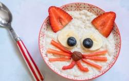 5 moduri deloc plictisitoare de a servi cerealele dimineața copilului