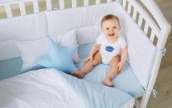 Lenjeria pentru pătuțul bebelușului: ghidul mămicii responsabile