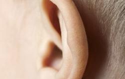 Probleme cu auzul la copilul mic. Cum stii daca aude bine