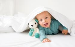 Cand vorbeste bebe. Cum vorbeste un copil in primul sau an de viata. Ce poti face tu pentru el