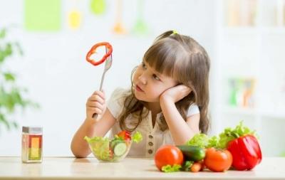 """ARFID: O boală care îi """"mănâncă"""" pe copii"""