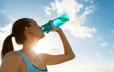 Iată ce se întâmplă în organismul tău când bei îndeajuns de multă apă