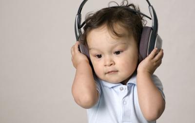 Muzica – o componentă esențială în dezvoltarea bebelușului