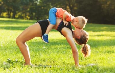 Recapătă-ți flexibilitatea spatelui și suplețea taliei cu ajutorul exercițiilor Yoga!