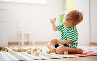 Top 5 cele mai cool jucării pentru copiii sub 2 ani