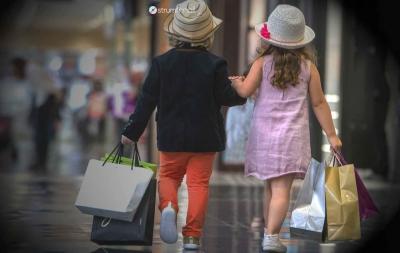 Ce materiale sunt de evitat atunci când alegi hainele pentru bebelușul tău