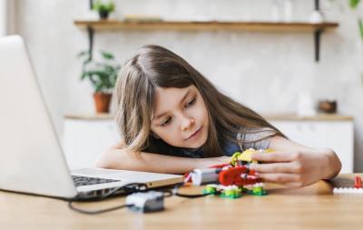 Top 5 cele mai ingenioase jocuri concepute de psihologi pentru dezvoltarea copilului
