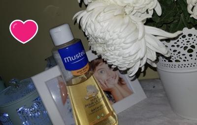 Testăm și recomandăm: cu uleiul de baie Mustela să ne spălăm