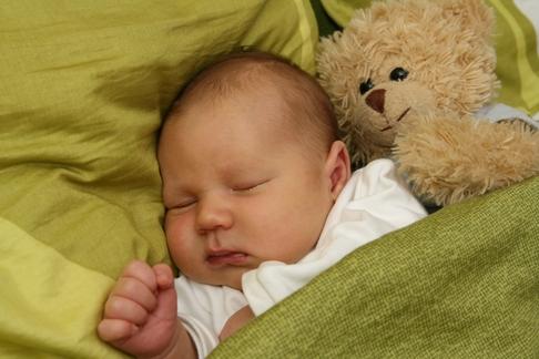 bebe virus febra diaree deshidratare