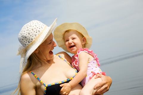 vacanta bebelus sfaturi plaja munte