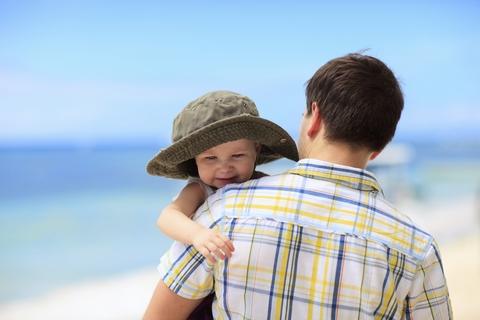 vacanta bebelus sfaturi mare plaja munte